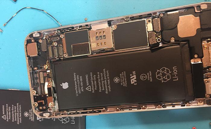 Смяна на батерия на iPhone