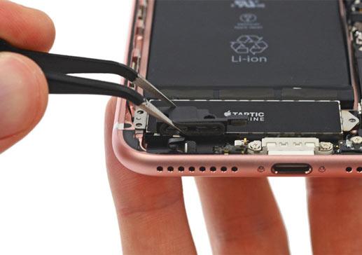 Смяна букса за зареждане на iPhone