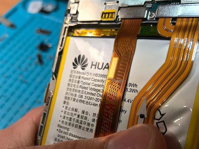 Смяна на батерия на телефон Huawei