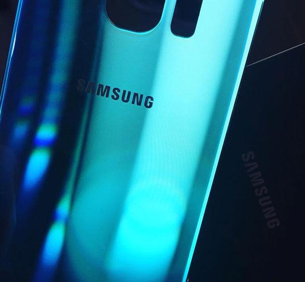 Смяна на гръб на Самсунг - GSM Expert